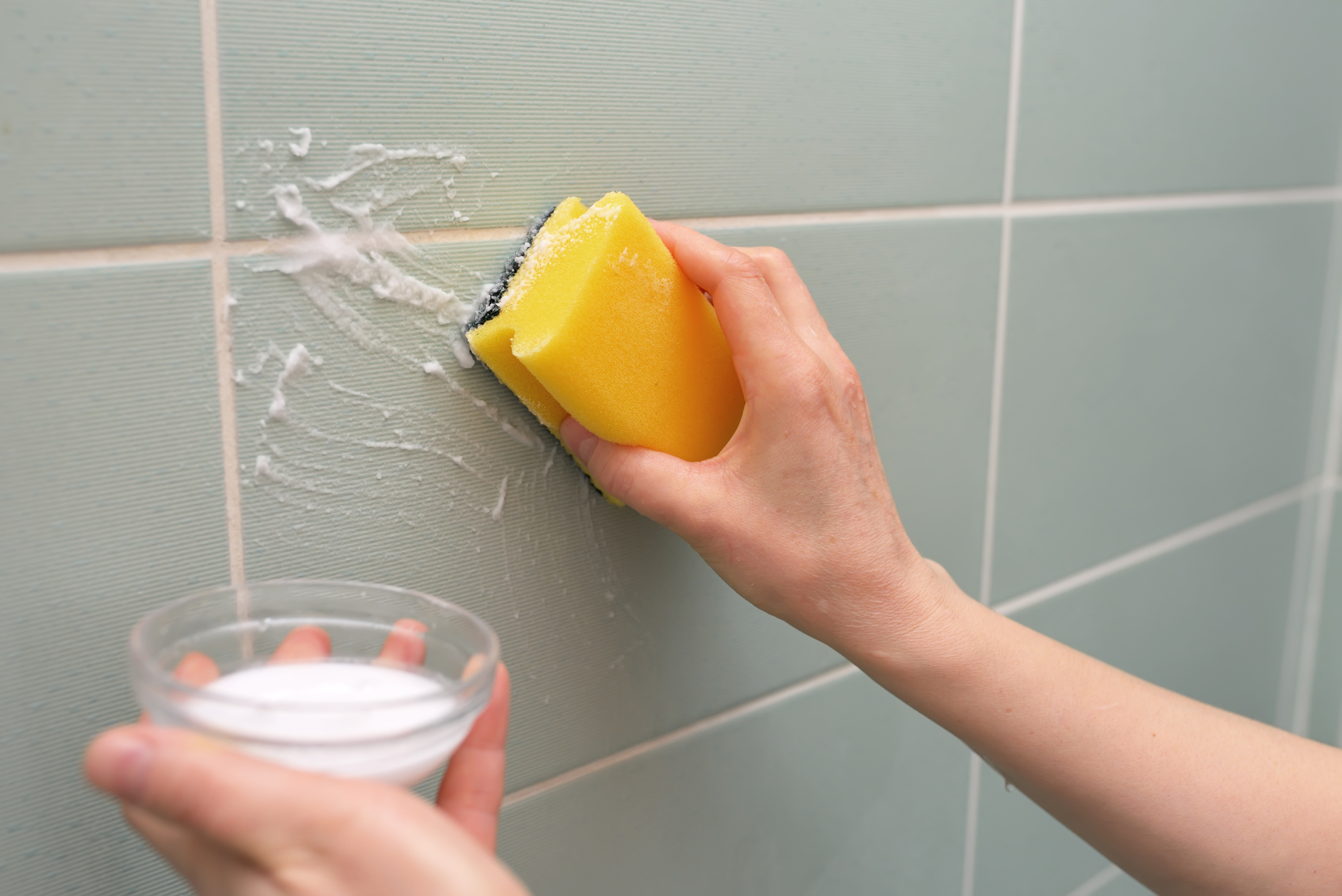 And Scrub The Bathroom Tiles With Sponge. Now, Warm Water Is Used In Order  To Wipe It Well. Cleaning Hacks